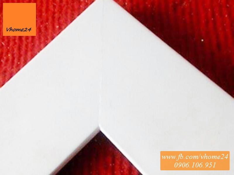 *Kiếng soi toàn thân khung trắng trơn 111