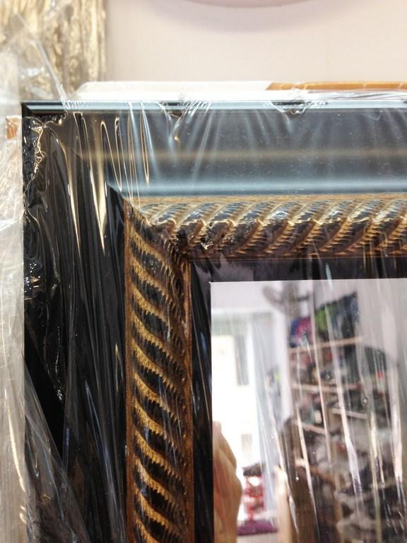 *Gương treo shop đồ nam viền đen cổ điển 151