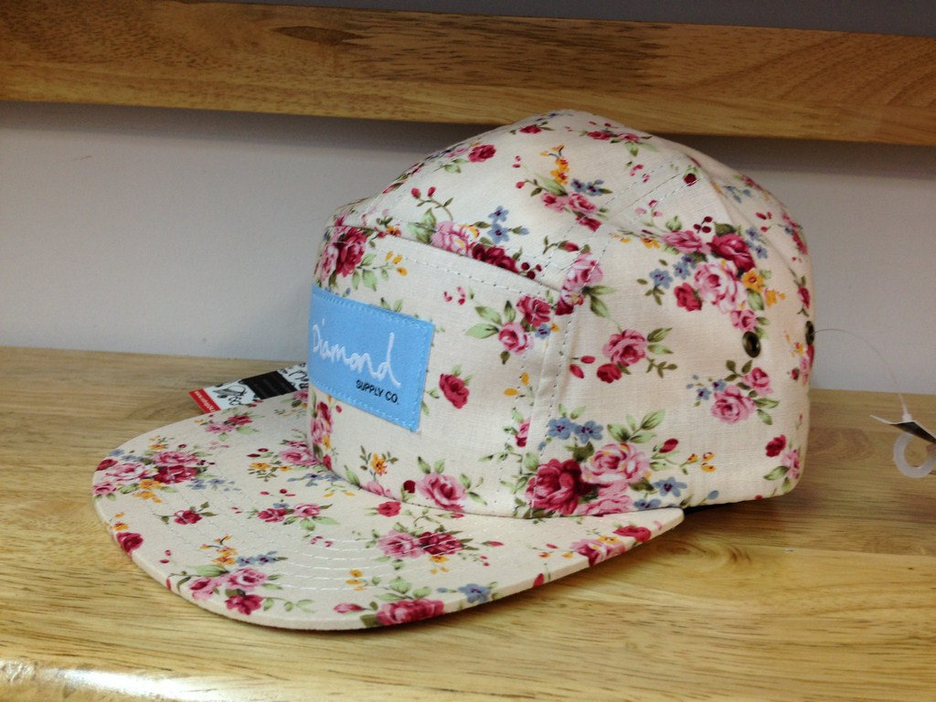 Nón 5 panel hoa THAILAND DIAMOND 01