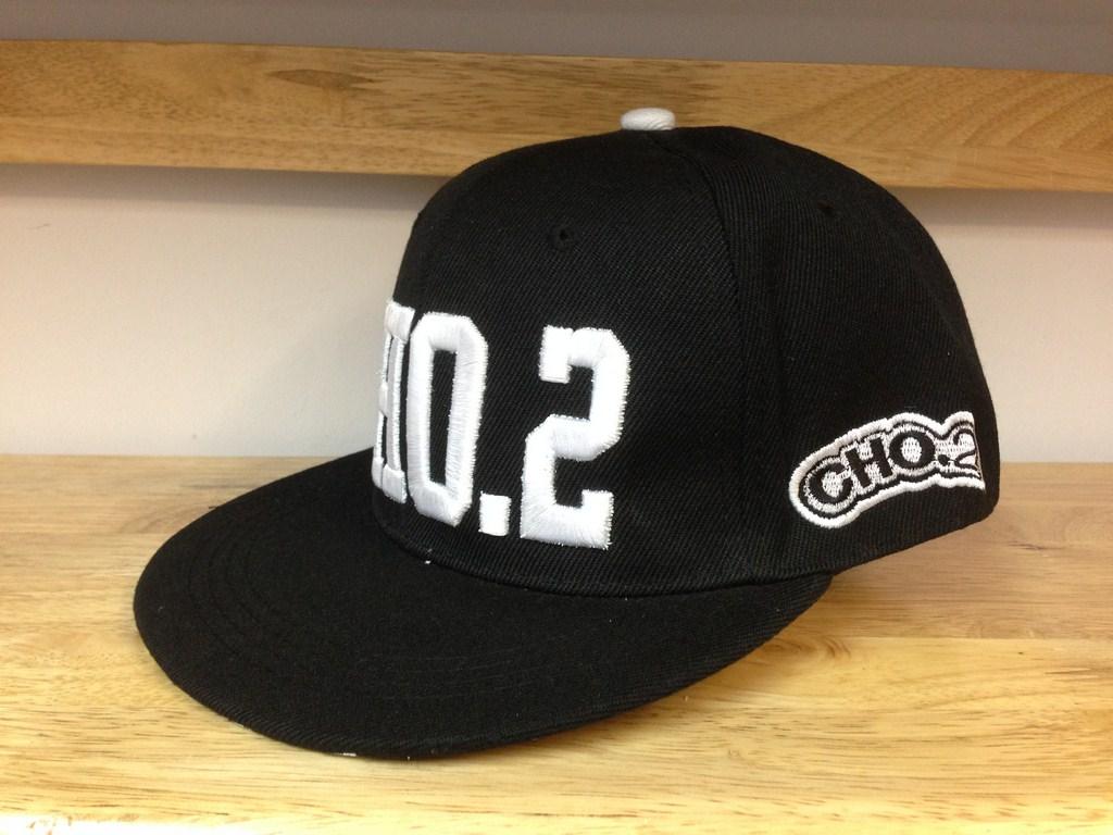 *Mũ snapback KPOP CHO.2 đen chữ trăng 022