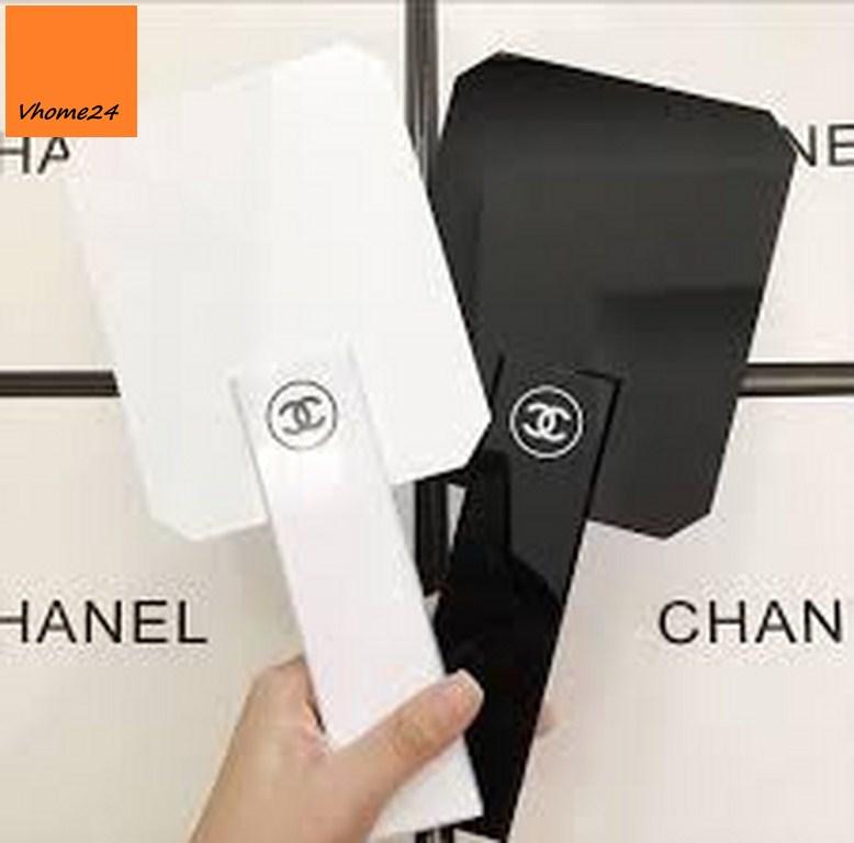 *Gương trang điểm cầm tay Chanel cao cấp GTD161