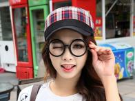 *Mũ đầu vuông caro Hàn Quốc màu đỏ 275